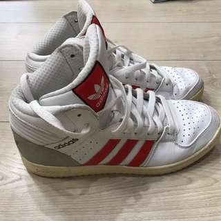 🚚 男 Original Adidas 復古高筒鞋 8成新尺寸為 Us10.5 😊先po款喜歡我再詢價