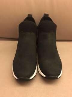 Nenet Shoes