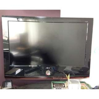 "LG 32LG6OUR 32LG60UR STVQLJV TV Television Set 32"" Scarlet Red WORKING"