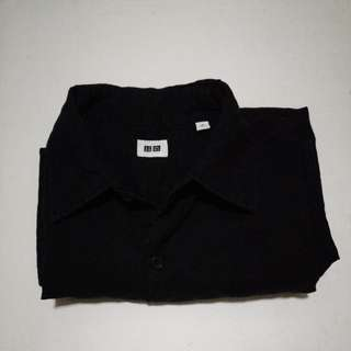 Uniqlo black short sleeved polo