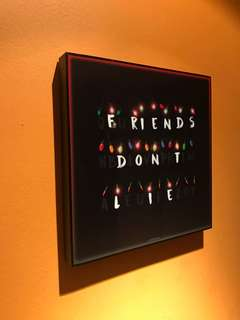 Friends don't lie : Pop Art Poster Frame