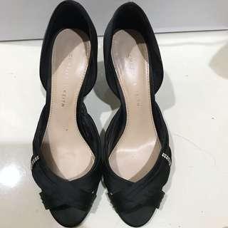 [ CHARLES AND KEITH] heels black 35
