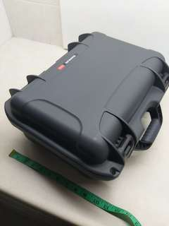Nanuk 915 Hard Brief Case with Foam Colorcode Graphite Grey