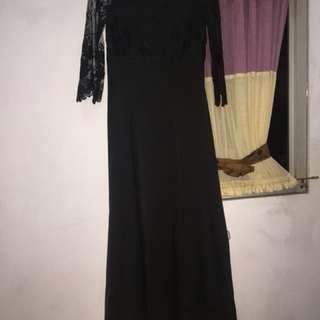 Long black dress promnight