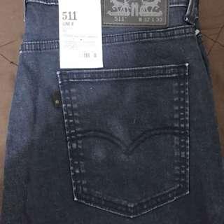 🚚 Levis牛仔褲511-深藍