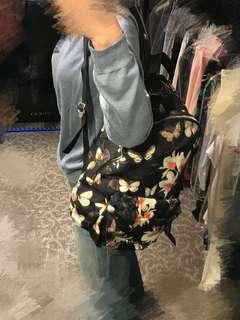 Givenchy 背囊