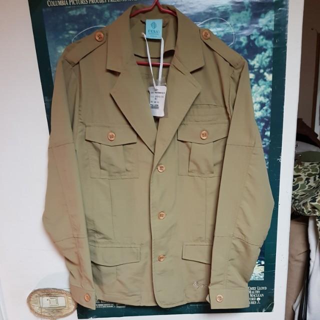 卡其狩獵襯衫外套