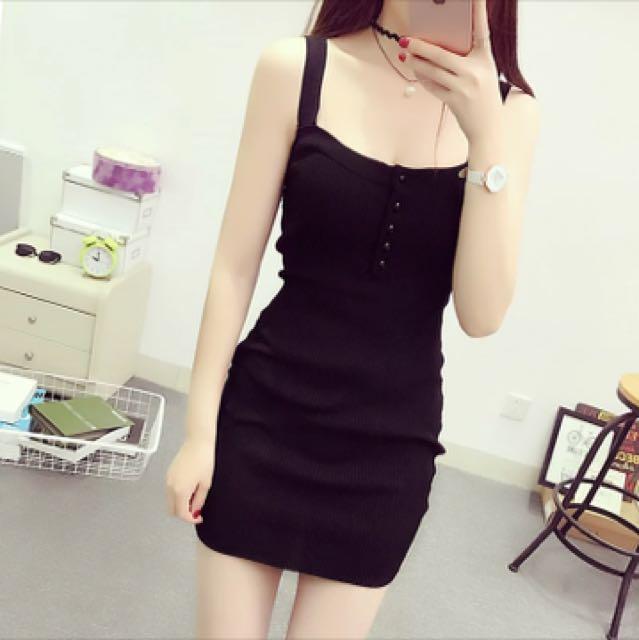 黑色針織包臀裙