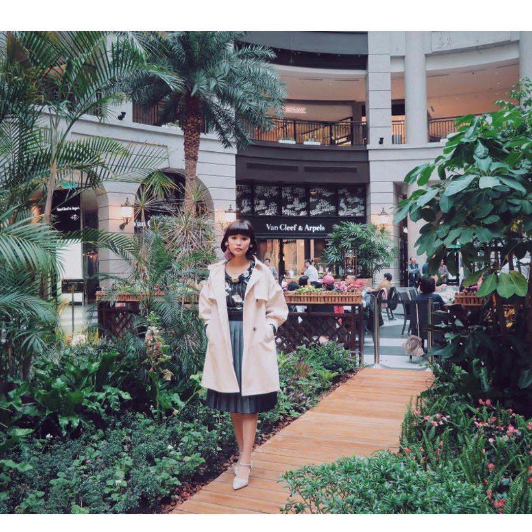 轉賣攝影師小貓風衣米色大衣外套