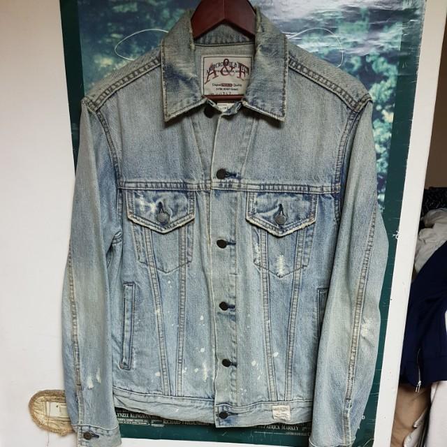 Abercrombie & Fitch 波漆刷白牛仔外套