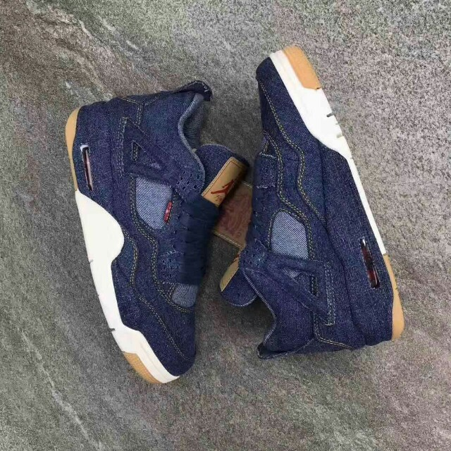 quality design bb713 2a35a Air Jordan 4 Retro Levis (denim), Men s Fashion, Footwear, Sneakers on  Carousell