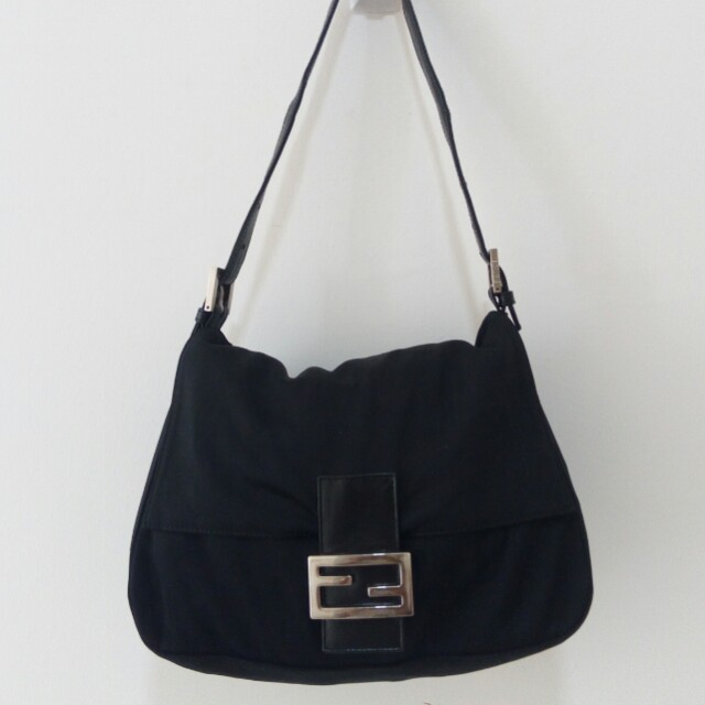Black leather and nylon mama's bag