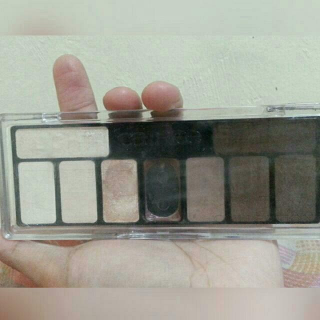 Catrice - The Essential Nude Collection Eyeshadow Palette 010 - Renude My Style.