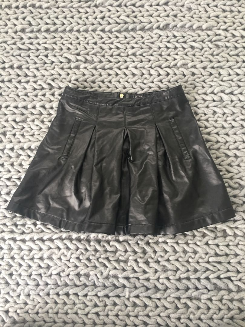Chicabooti leather look skirt