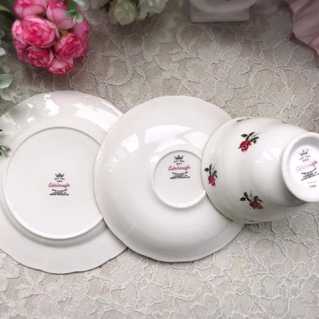 英國Colclaugh 浪漫迷你紅玫瑰花描金骨瓷三件式杯盤組D
