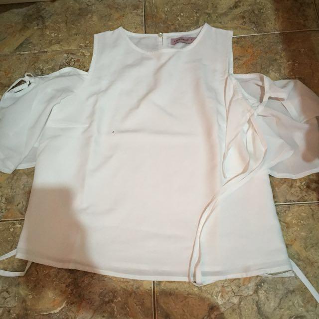 Cotton Ink x Raisa White Top Atasan Putih