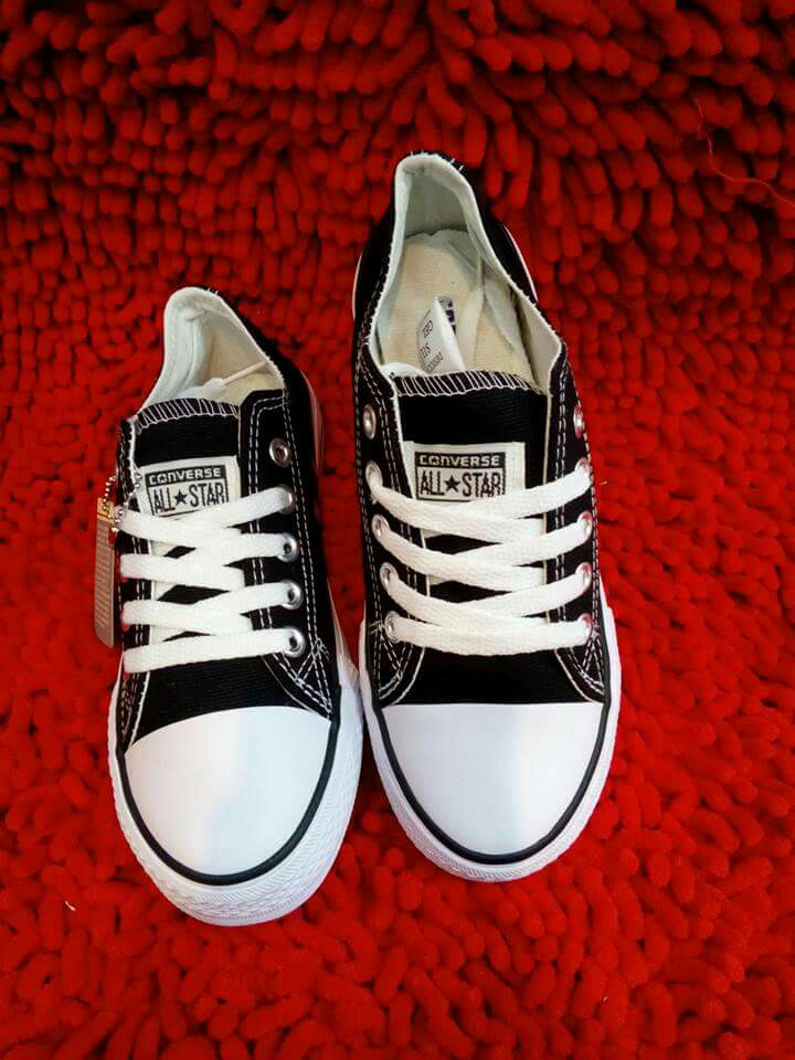 Coverse shoes onhand
