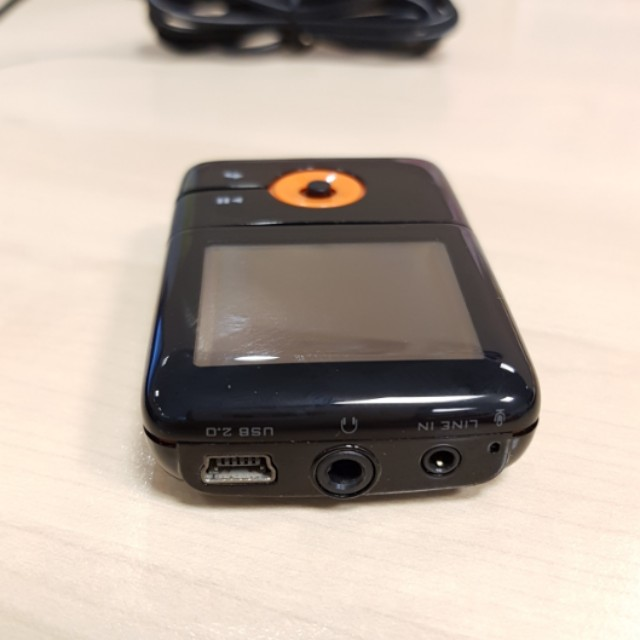 Creative Zen V Plus 1GB (cannot power On), Electronics