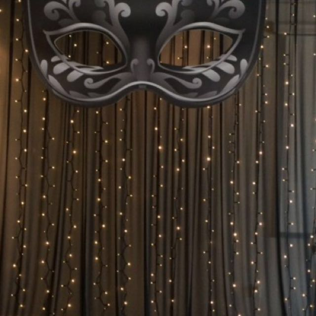 DIY backdrop or photo booth
