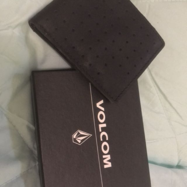 dompet kulit volcom (volcom leather wallet)