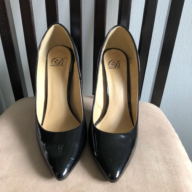Exquisite black patent stilettos size 39