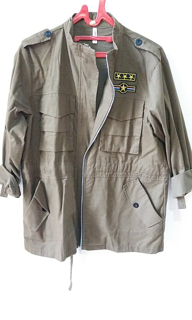 Green army patch outer