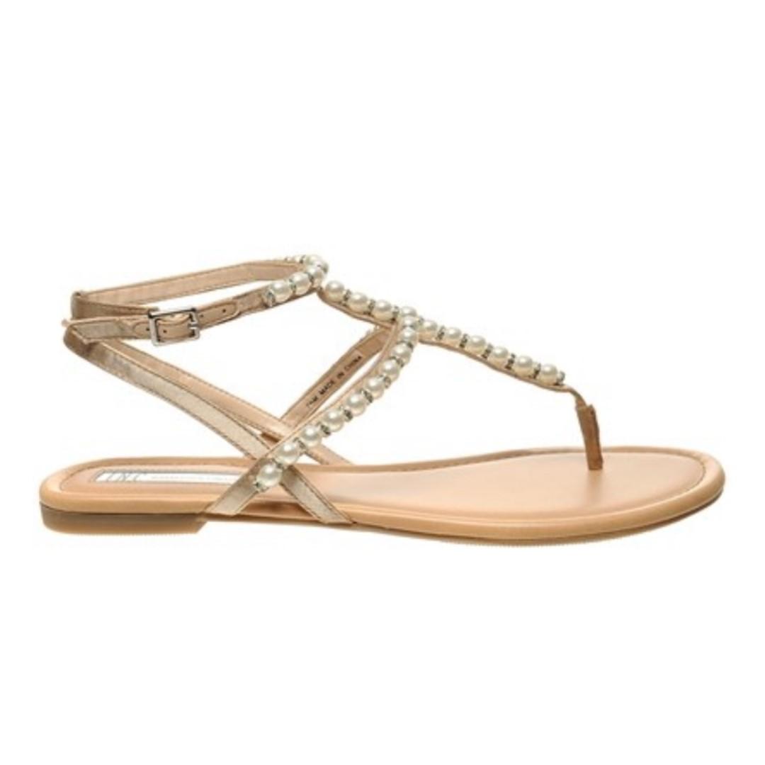 b37d0d1d401 I.n.c. Madigane Embellished Flat Sandals