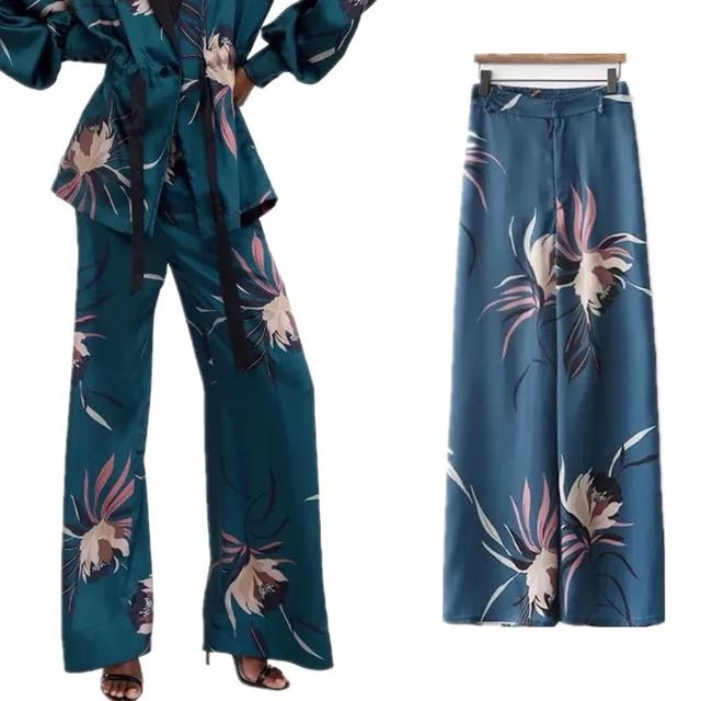1687d859 💃🏼Inspired Zara Floral Print Palazzo High Waist Trousers💃🏼, Women's  Fashion, Clothes, Pants, Jeans & Shorts on Carousell