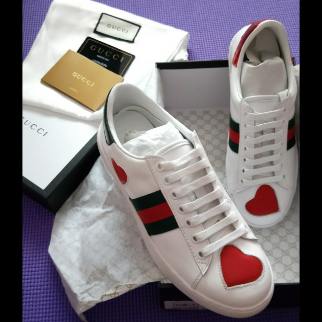 90efb861b27 in-stock! Gucci Ace Heart Sneaker