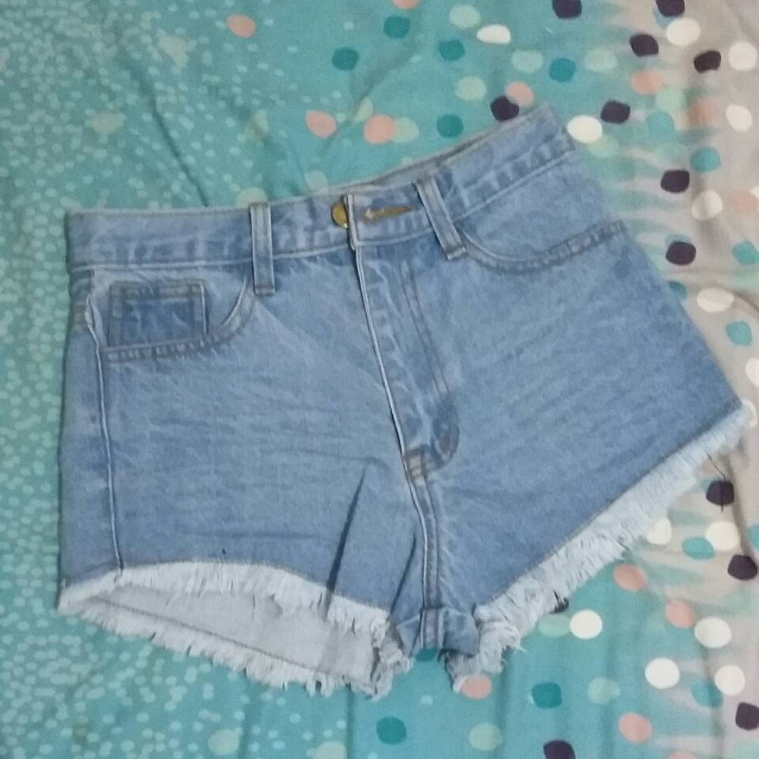 Log-On Highwaist Short Jeans (Never Been Used)
