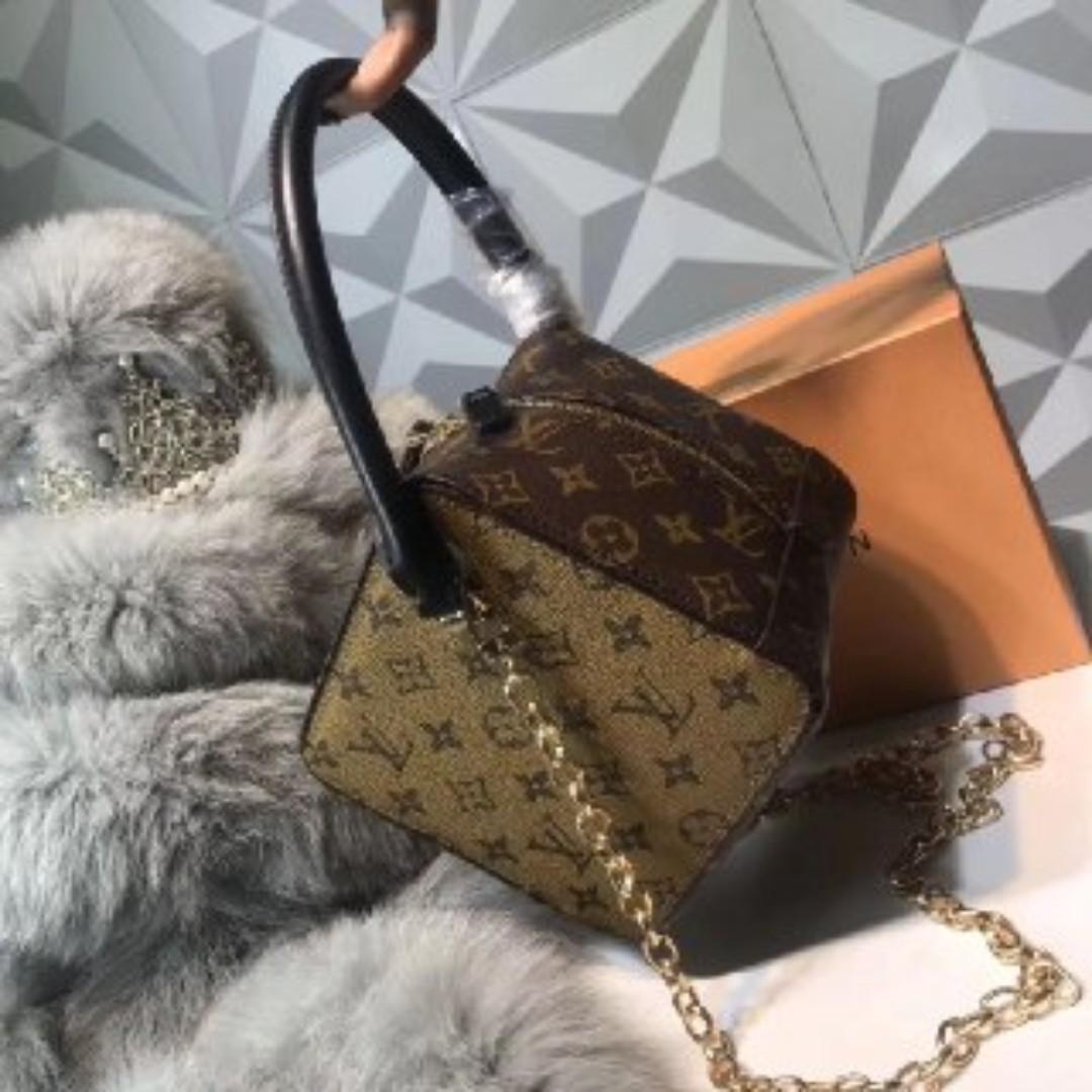 Lv Dice Handbag Women S Fashion Bags