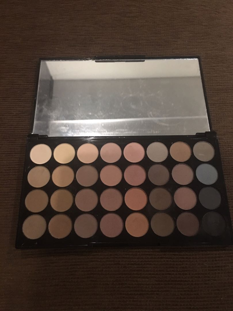 Makeup Revolution Flawless Matte Eyeshadow