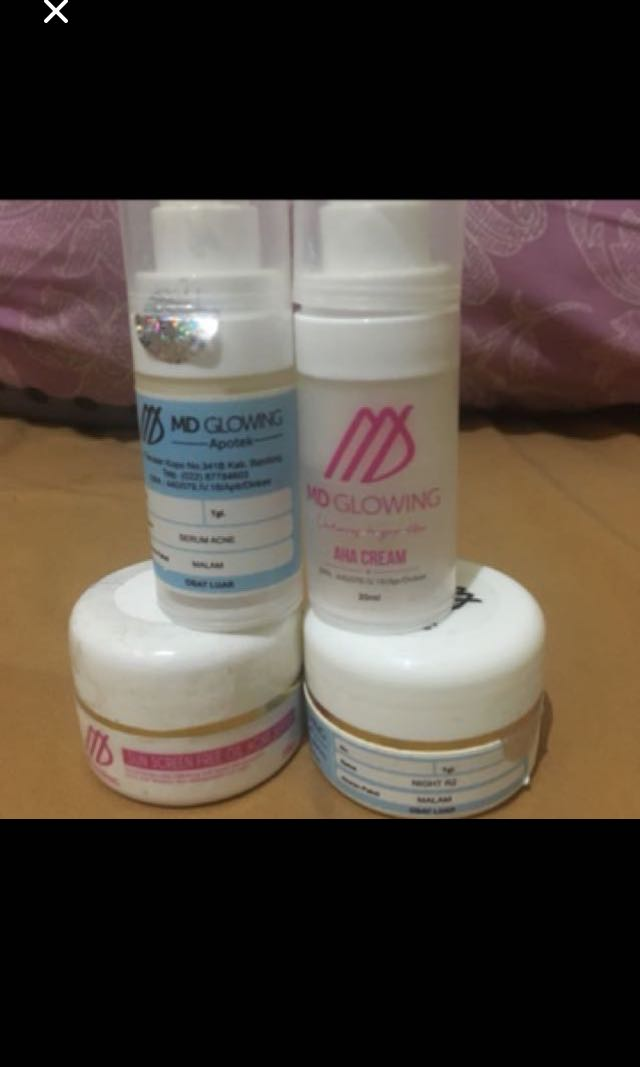 MD GLOWING ACNE R2 + AHA Cream