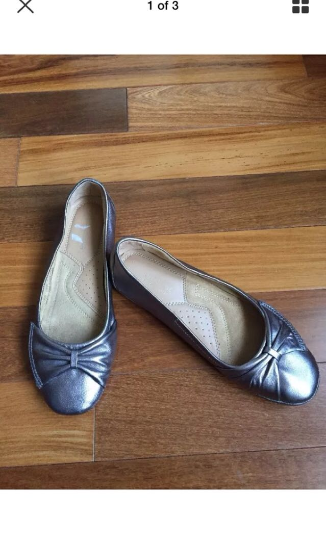 Naturalizer Leather Flats Size 7M