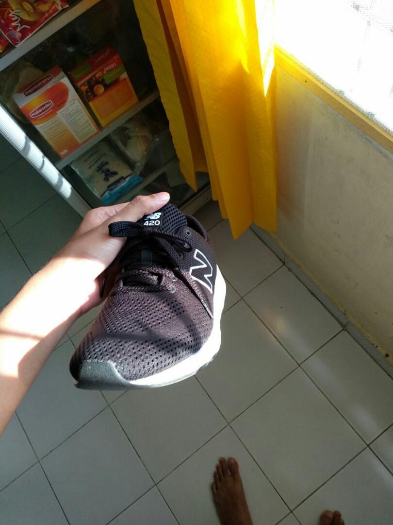 sepatu new balance kaki lebar