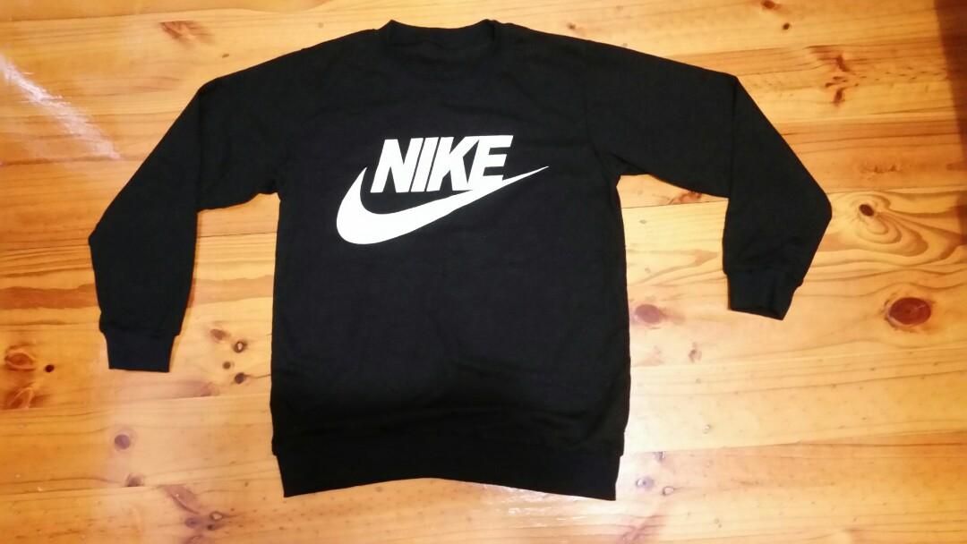 🆓shipping🆓 Nike logo jumper