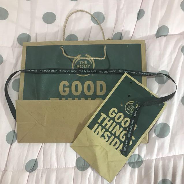 Paper bag the body shop