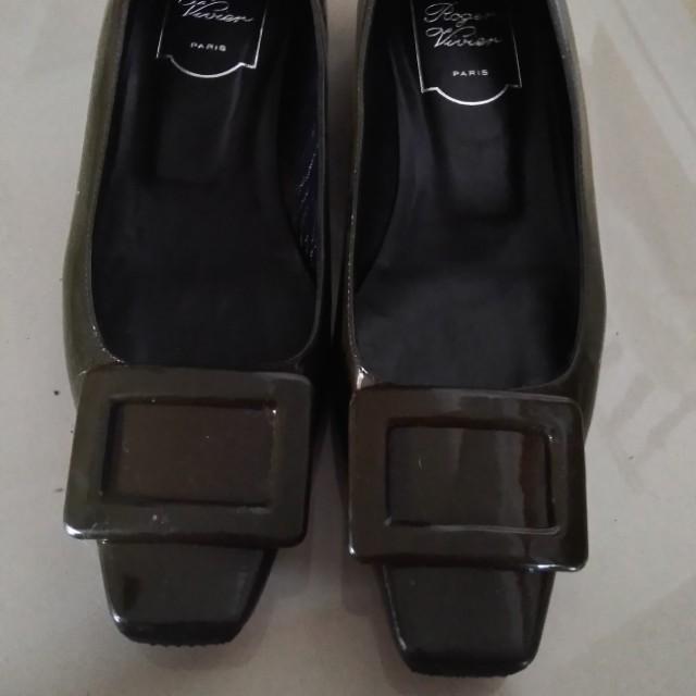 RV棕色鞋