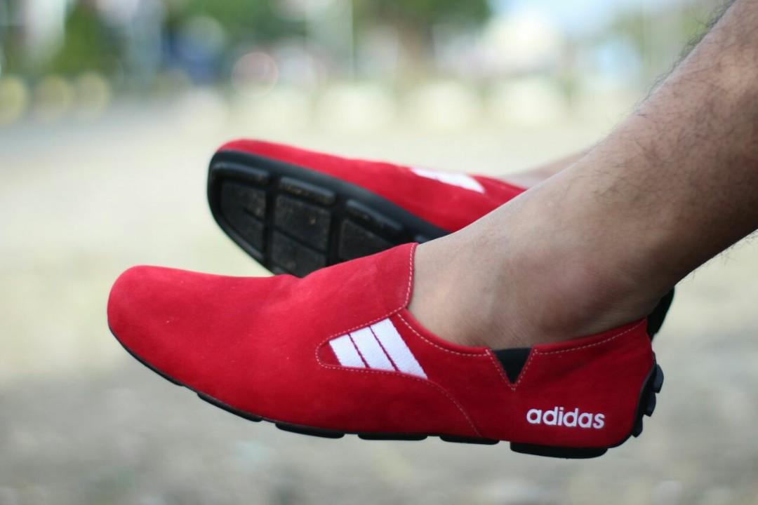 Sepatu adidas slip on size 39-43 001529772b