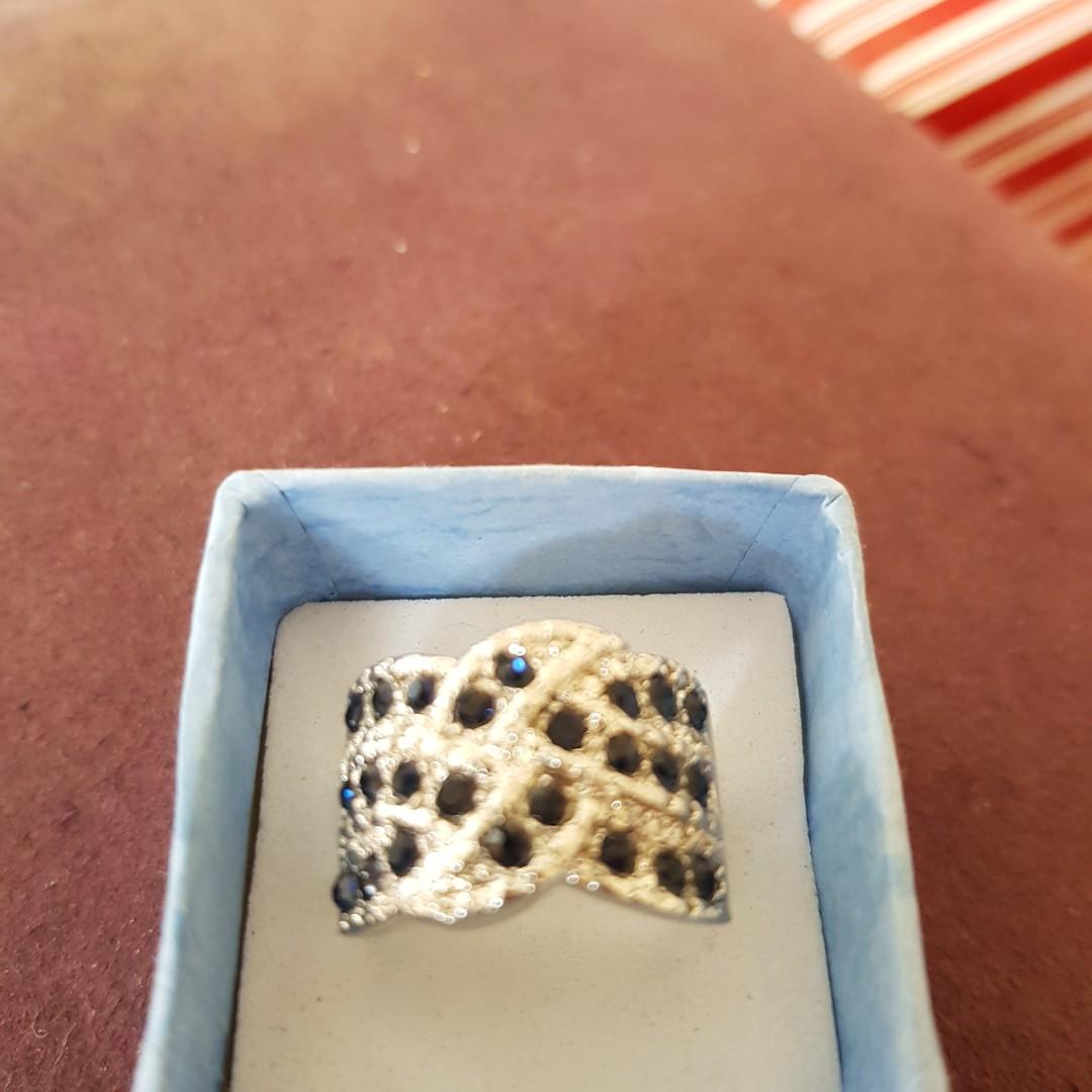 Stunner ring size 9