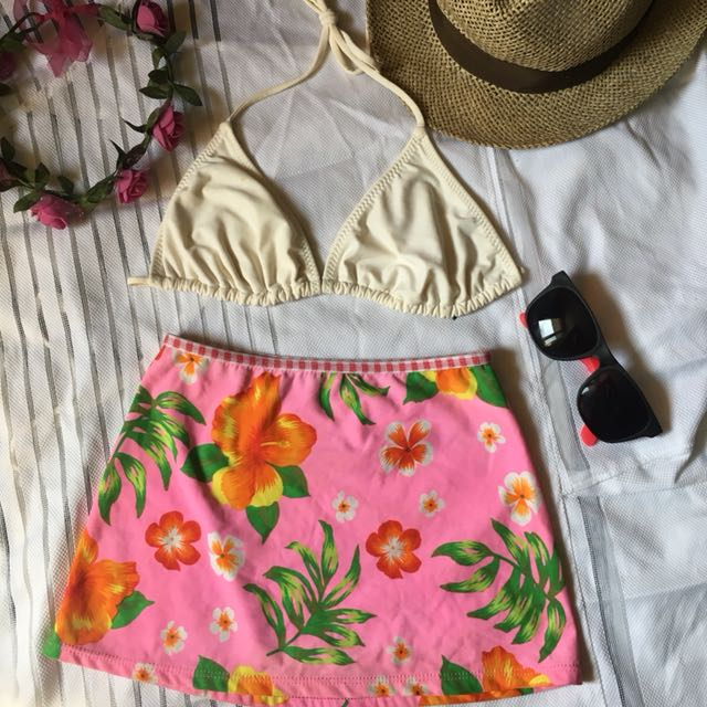 Two piece swimsuit skirt type