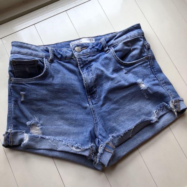 ZARA 短的牛仔褲