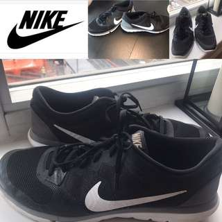 Men's Nike Black and White sneakers