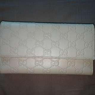 Gucci 白色長銀包