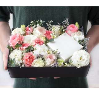 Flower Gift Box: Love Floral Box