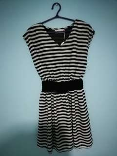 Knee length dress stripes