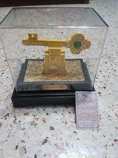 Velvet Gold Display