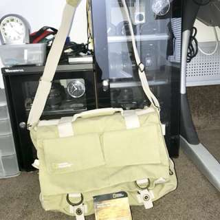 National Geographic NG2477 Camera Bag Big Collectible Rare With Tag