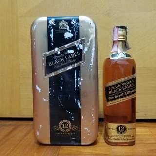 舊酒收藏70年代Johnnie Walker黑牌十二年Extra special威士忌70CL鐵盒