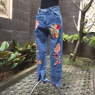 *FREE ONGKIR* ZARA jeans embroidered